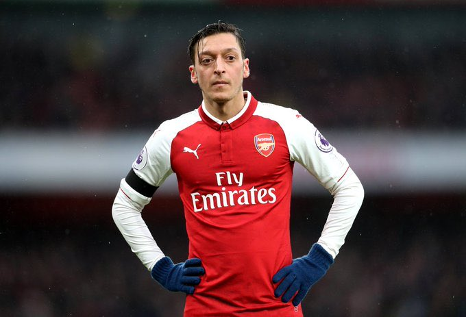 Loved @MesutOzil1088 when he first came to Arsenal. World class player with a sublime natural talent. Now I can't wait to see the back of the lazy manipulative £350,000-a-week wastrel. You could have been a club legend, Mesut - but you just couldn't be bothered. Bye.