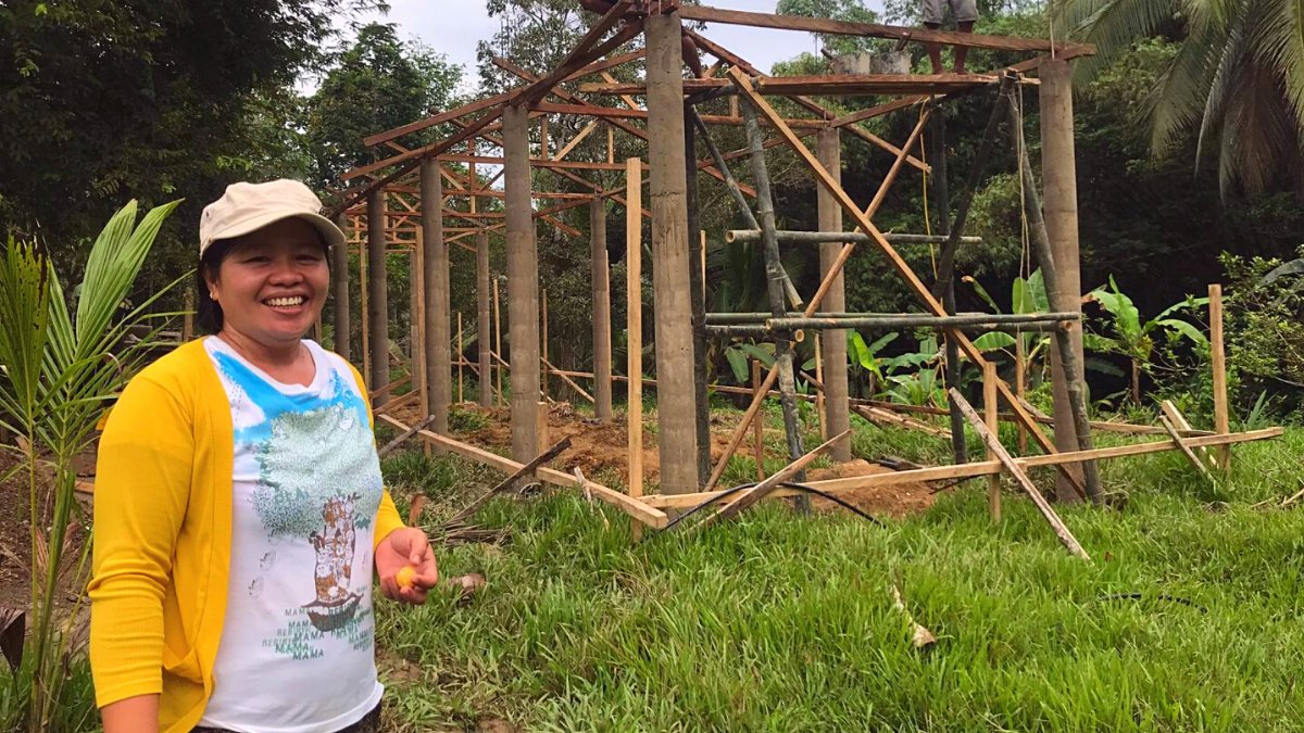 Our Entrepreneur of the Week is the amazing Mercedita from the Philippines, who used around £600 of her own savings to purchase building supplies for the construction of two new pigsties for her piglets. The first is now under construction with support from Lendwithcare lenders!