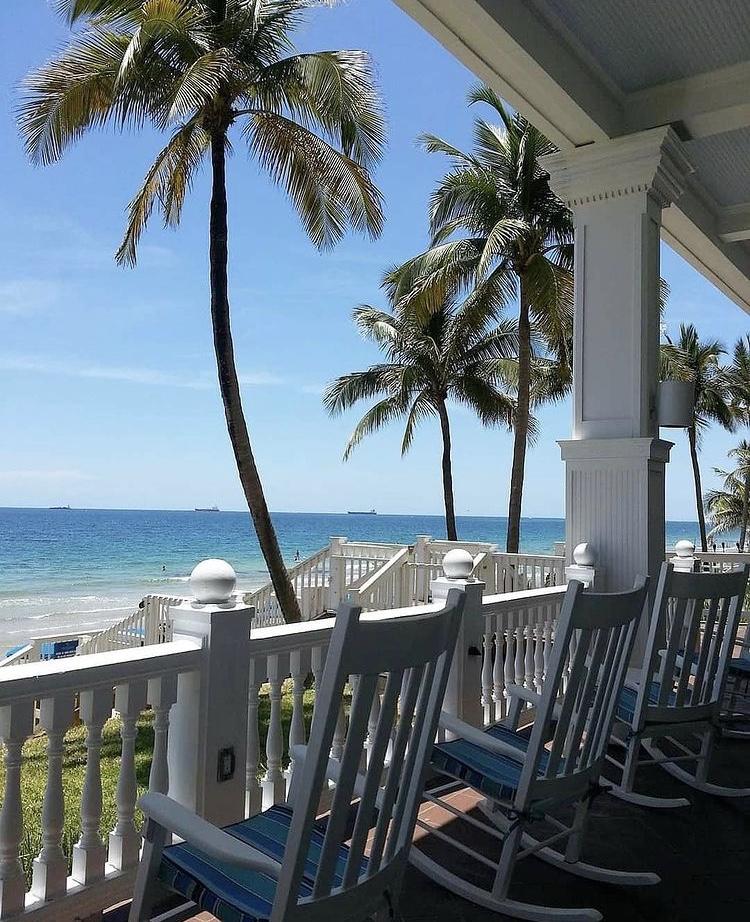 We hope you have a relaxing weekend, FTL! 🌴  #goodmorning #fortlauderdale #morning #holidays #southflorida #florida #january #winter #beach #sun #laudy #wakeup #love #amazing #beautiful #happynewyear #lauderdale #newyear #photooftheday #broward #saturday #weekend #laudy