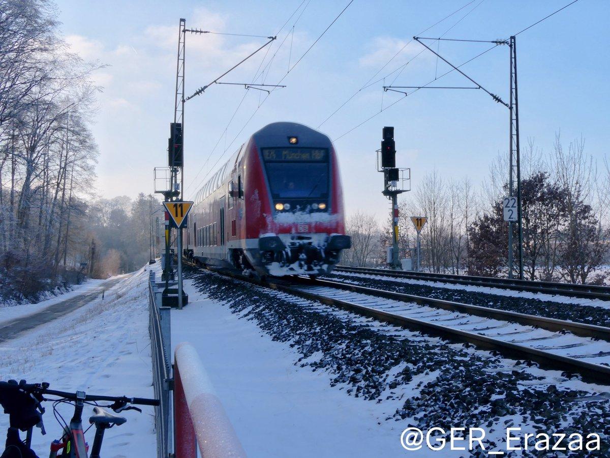 some train pictures I took yesterday on my photo tour ^^  #eisenbahn #deutschebahn #db #dbregio #br111 #br218 #br423 #trainspotting #fürstenfeldbruck #snow #schnee #winter #münchen