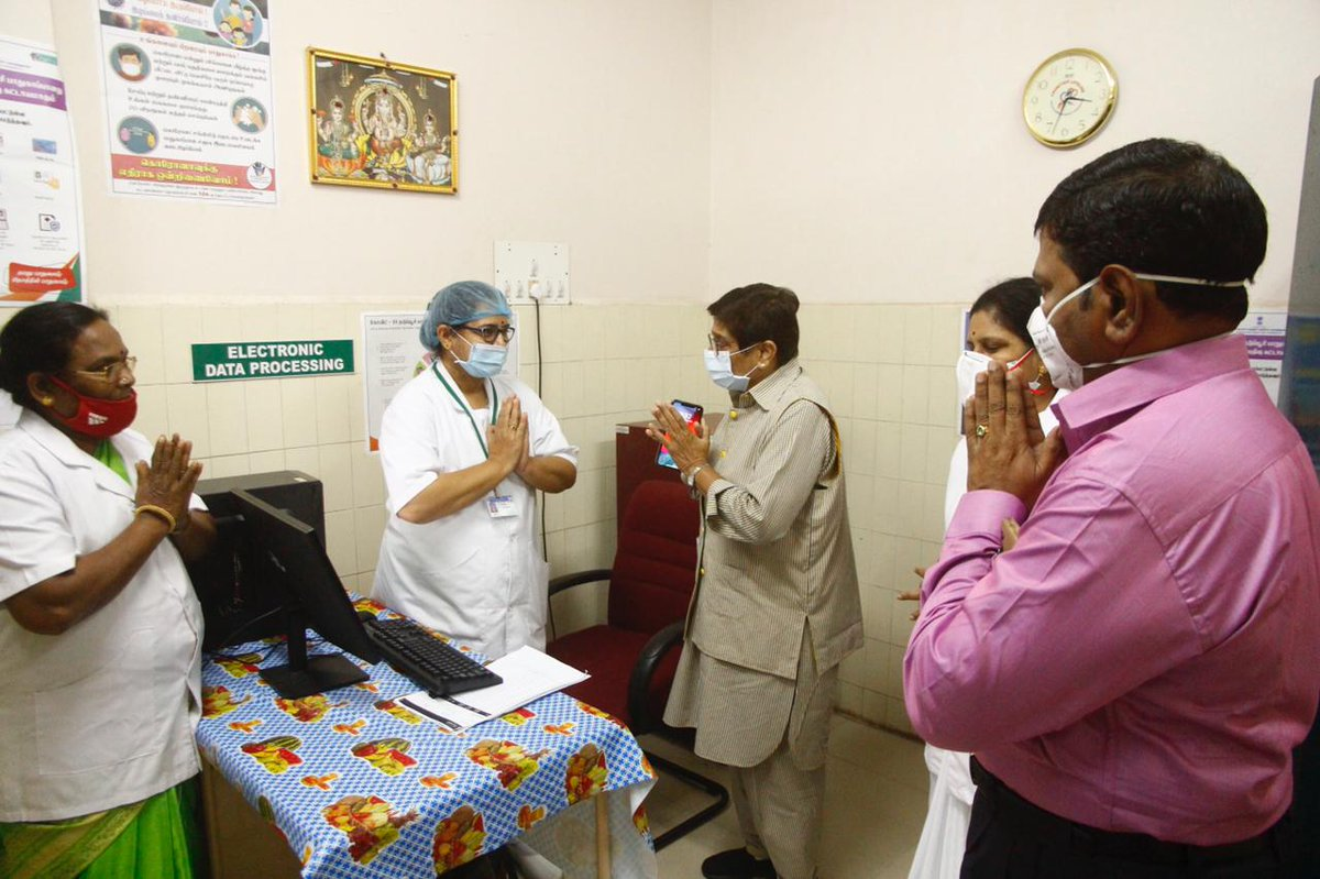HLG @thekiranbedi visited Indira Gandhi Govt. General Hospital & Post Graduate Institute & Rajiv Gandhi Govt Women & Children's Hospital in Puducherry as the rollout of the COVID-19 vaccination drive began at the Union Territory.  @HMOIndia @BhallaAjay26   #LargestVaccineDrive