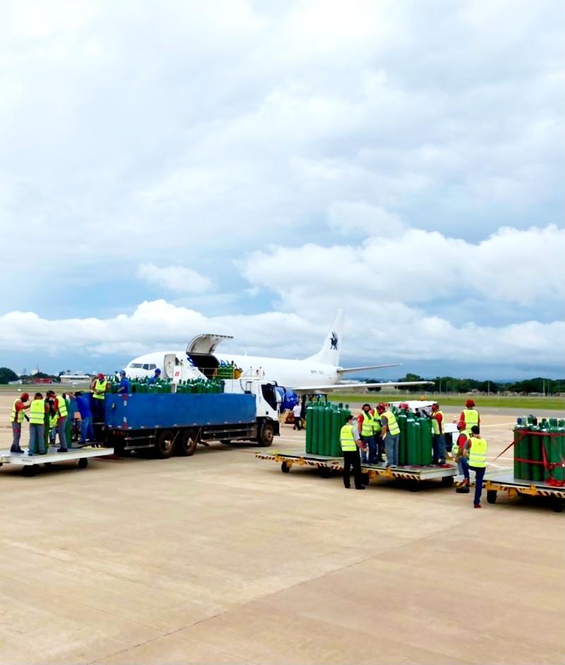 Carga feita... Um Boeing lotado de OXIGÊNIO com destino a Manaus!!!