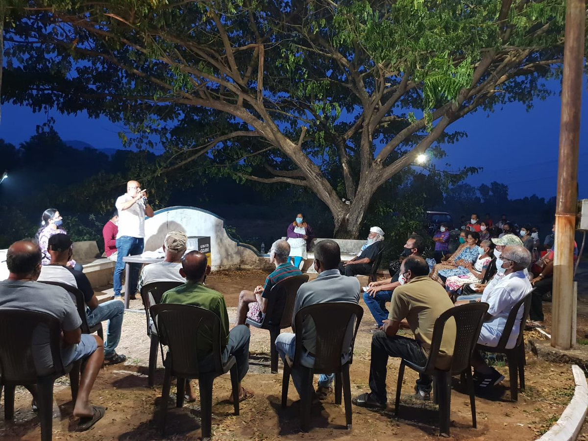 The Residents of Velim gather to hear how @AamAadmiParty can revolutionise the power sector in Goa. #VeezAndolan