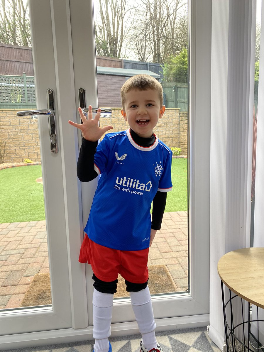 Ally loved being back at football today! He scored 5 goals, think it was to do with his new top @RangersFC @Castore_UK @AllyMccoist_ 🔴⚪️🔵 #ally #superally #superallyheron #football #tinytots #rangers #rangerstop #castore #fivegoals #goals #scoringgoalslikehisnamesake