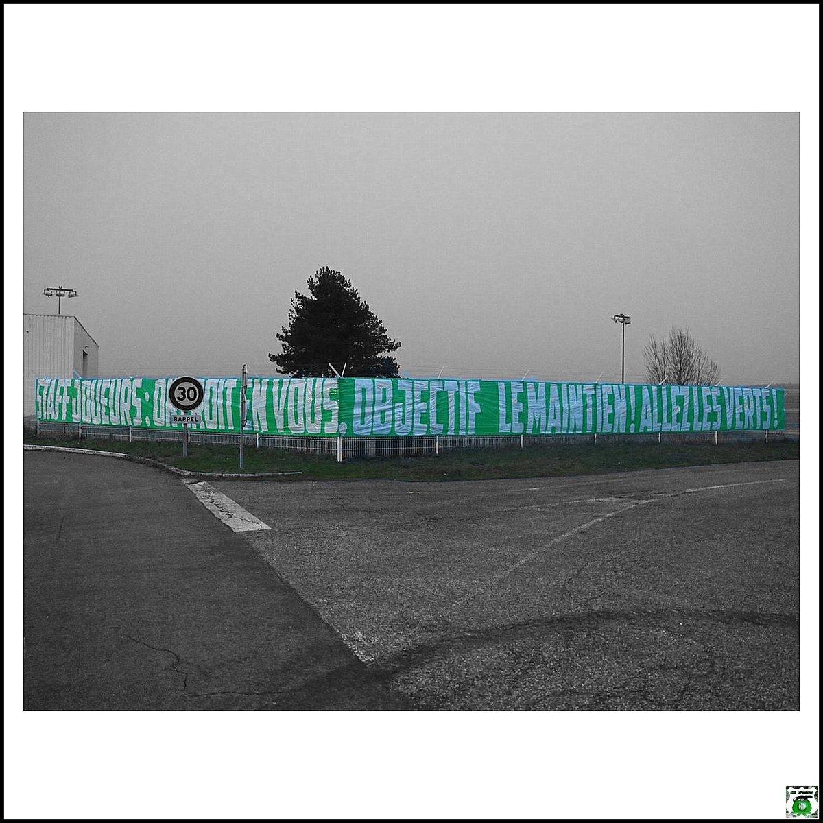 Staff, joueurs :  On croit en vous. Objectif le maintien ! Allez Les Verts !!! 👊  #ASSE #LePeupleVert  #SaintÉtienne #Football  #Supporters #Ultras #Stéphanois  #AllezLesVerts