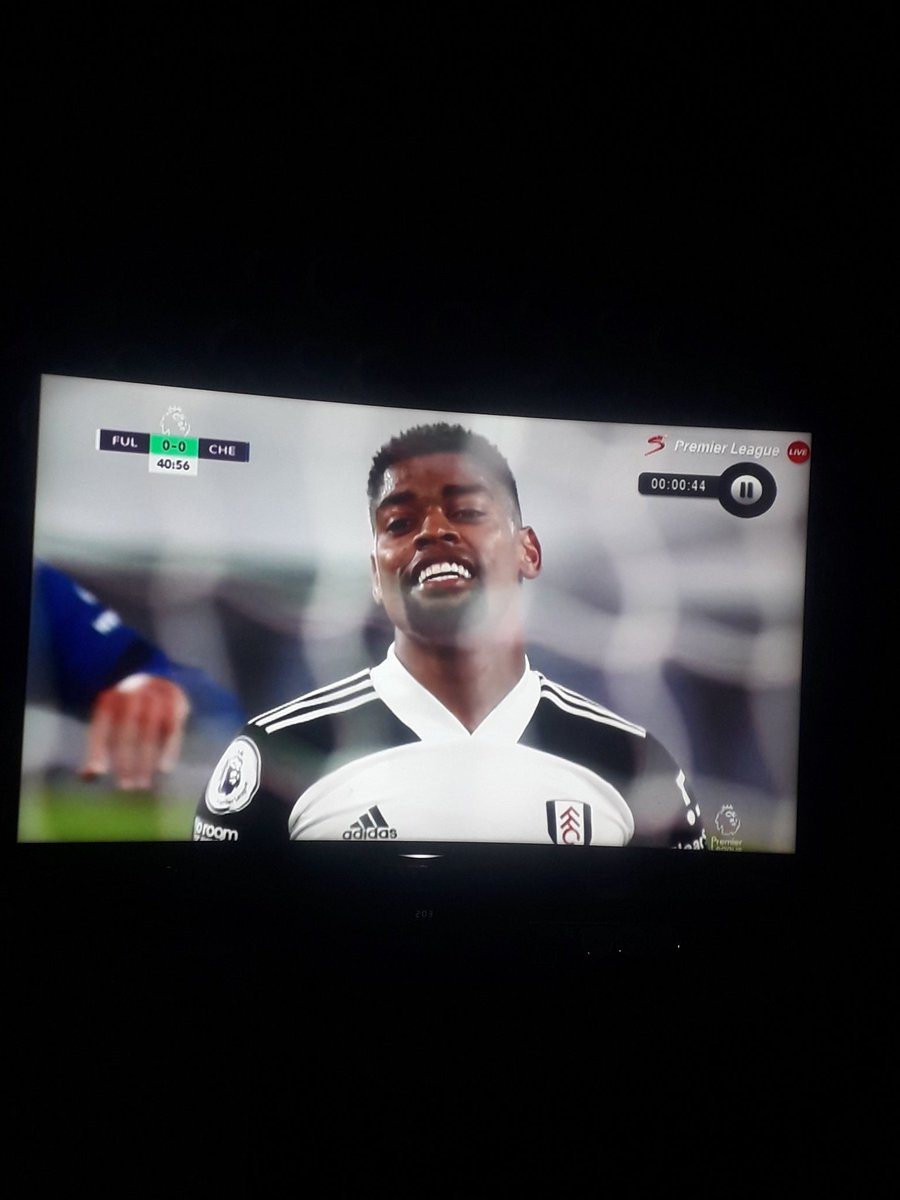 @AnaemenaI twin just missed d best chance to score..#FULCHE