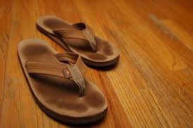 Tempurpedic copied rainbow flips flops and you can't convince me otherwise @TempurPedic #flipflops