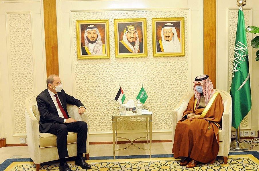 وزير الخارجية يستقبل نظيره الأردني.. تنسيق وتشاور مستمر (صور)    #فيصل_بن_فرحان #وزير_الخارجية  #المملكة #الأردن #الخارجية