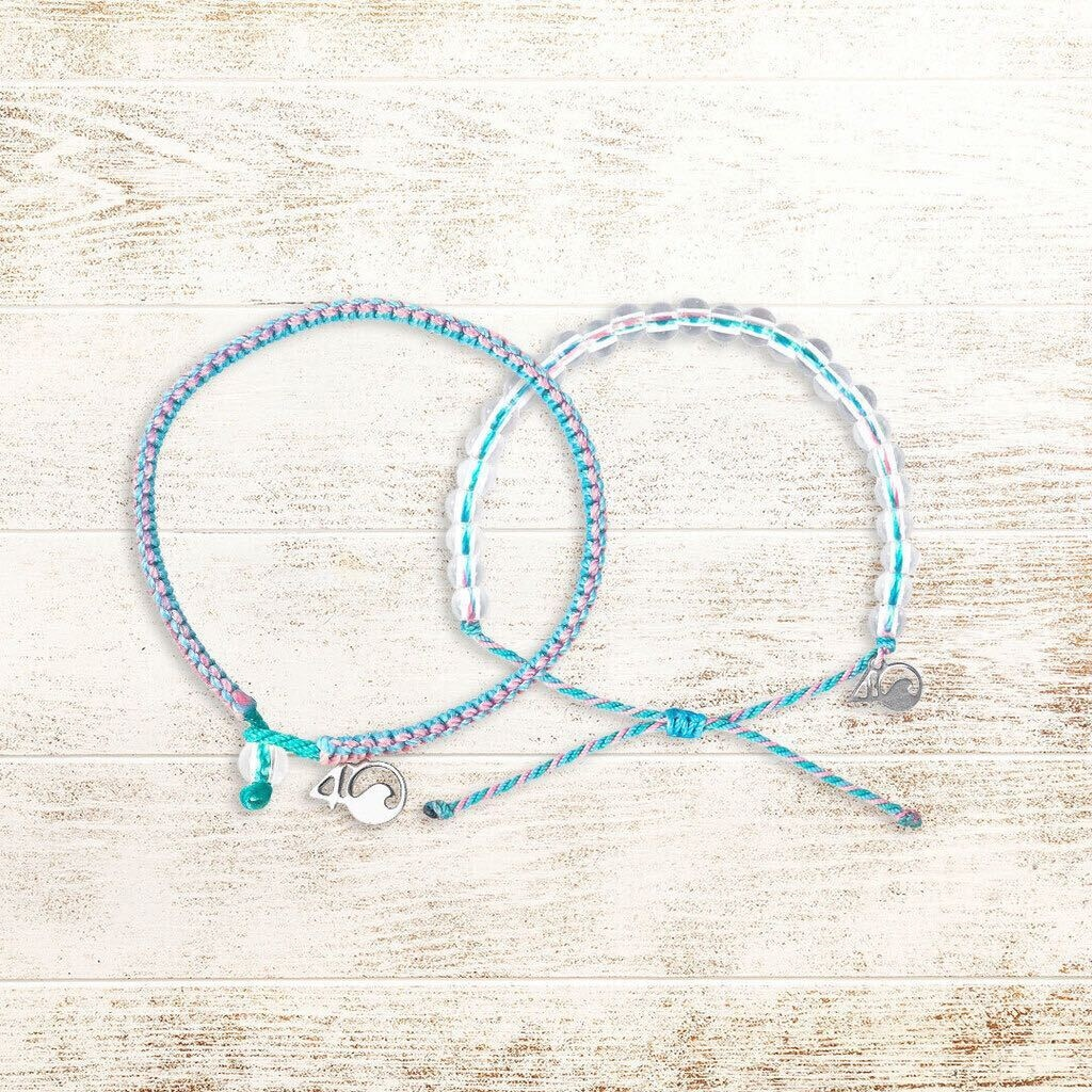 🌊⁠ GIVEAWAY 🌊⁠ ⁠ Want to win next month's bracelets? Guess what marine animal inspired next month's light pink, teal, and cyan blue bracelets! ⁠ TO ENTER:⁠ ⁠ 1. FOLLOW @4ocean 2. LIKE this tweet 3. REPLY with your guess for which animal inspired next month's bracelets
