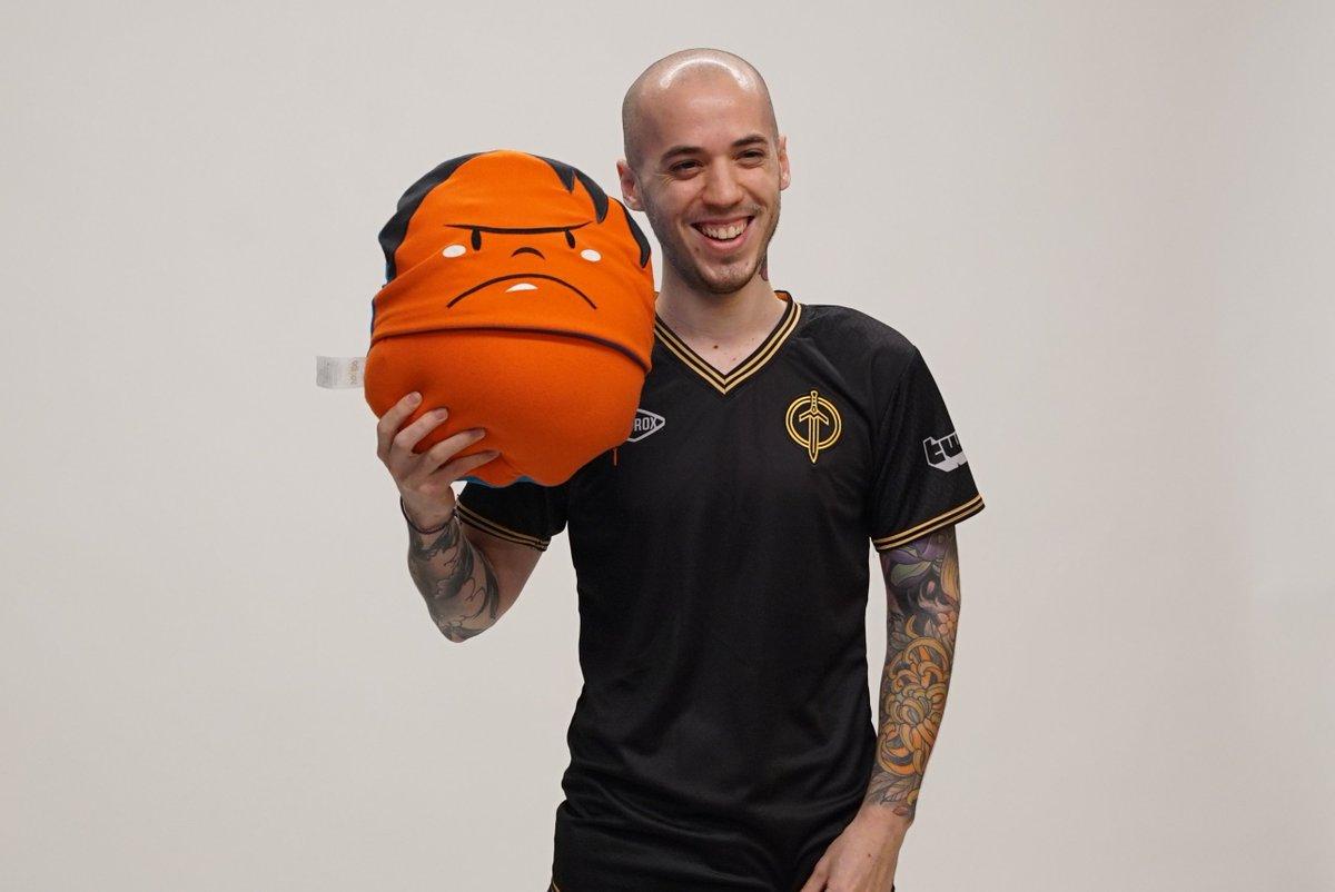 Golden Guardians - We want to take a moment to wish our support a Happy 24th Birthday 🥳🎉  Feliz cumpleaños, Leandro. Gracias por ser parte de nuestra familia 💛