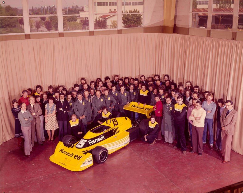 #F1 : Du projet #Alpine à @RenaultSport en 77, y revenir en motoriste, puis constructeurs à nouveau (Enstone, ex-Lotus), Lotus-Renault GP, puis Lotus F1 Team ! Redevenir #Renault en 2016 et @AlpineF1Team dès 2021 et préparer un projet avec @lotuscars 🔄 #Renaulution #Kamoulox https://t.co/8aYnDsfpUy