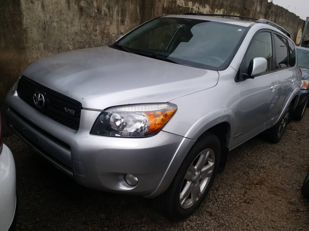 FOR SALE!!!  Toyota Rav4 Sport Foreign Used Excellent Condition  Year: 2008 Price: 4.3m  Send us a DM Call/WhatsApp: 07082234370  #cars #toyota #Automotive #SaturdayVibes #access #ValentinesDay
