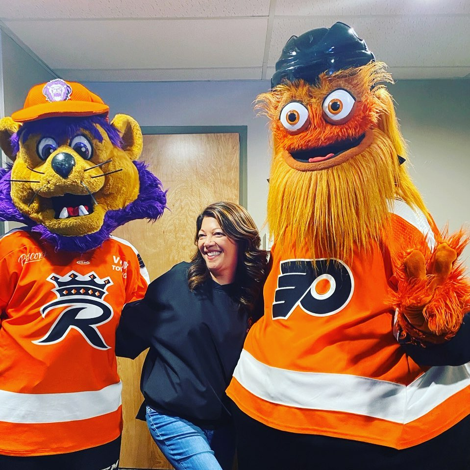 In honor of the @NHL season starting next week, here's a #ThrowbackThursday post to when Team Member Angie Lattanzio met @GrittyNHL & the @ReadingRoyals' Slapshot last year! 🏒  Which #NHL team will you be cheering on this season?
