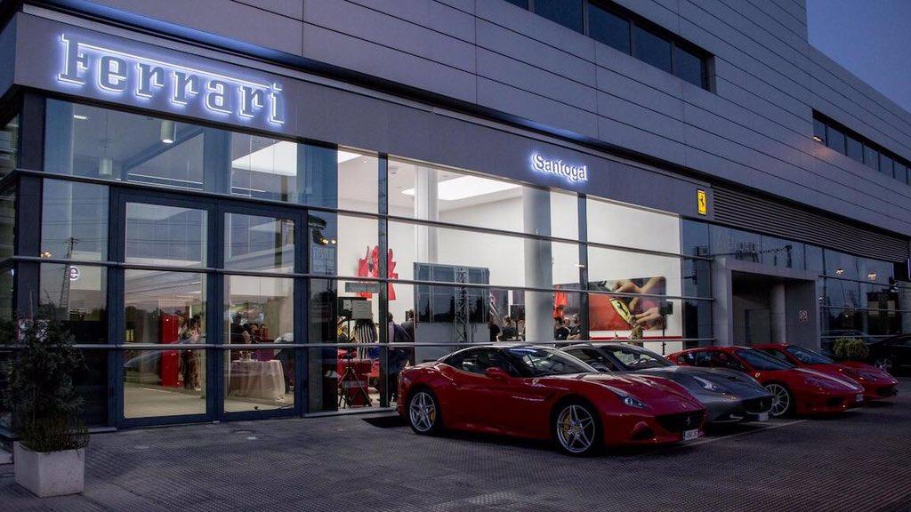 @RCR750's photo on Ferrari
