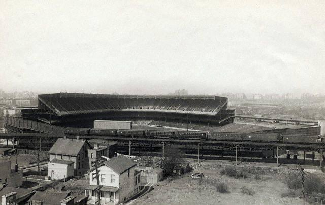 Old Yankee Stadium as it looked when it opened in 1923. (You can faintly see the Polo Grounds in the background just across the Harlem River) https://t.co/FhOcYYntq2