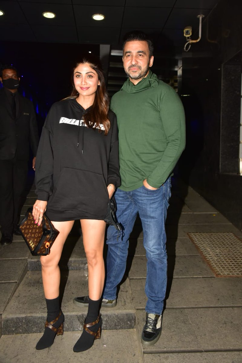 .@TheShilpaShetty and hubby Raj Kundra shell out major couple goals as they head out in style!  #ShilpaShetty #RajKundra https://t.co/D9sX0JVHOd