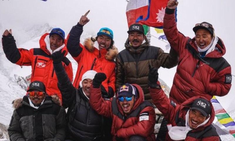 #Historic moment for mankind, for climbing community, & #Nepal .10 #sherpas achieve 1st winter ascent of Mt #K2 last of the world's 14 tallest mountains—all higher than 8,000 m by a most #inspiring #teamwork & #Collaboration 👍👍 We'd scaled #everest with 1 of them ! #K2winter https://t.co/T7TtQHIrc0