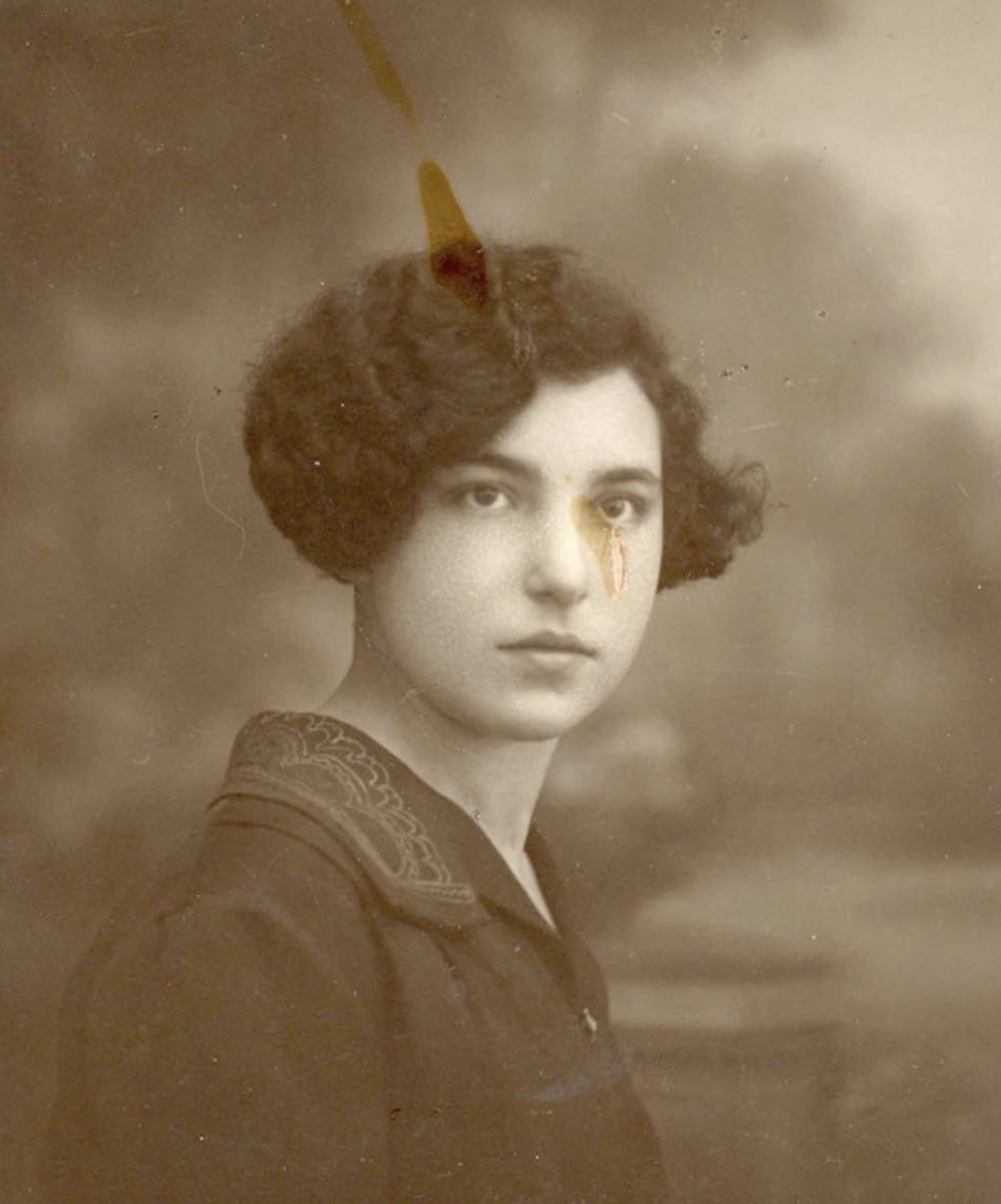 17 January 1908 | Polish Jewish woman Salomea Poler (née Fejnman) was born in Warsaw. During the war she lived in Brussels. She arrived at #Auschwitz on 28 September 1942 in a transport of 1,742 Jews deported from Malines / Mechelen. She was murdered in a gas chamber.