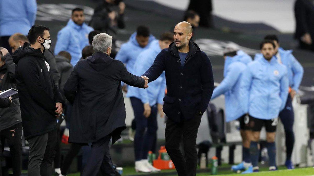 Mourinho y Guardiola piden no celebrar con abrazos; Klopp asegura que es difícil evitarlo 😳  #Mourinho I #Guardiola I #Klopp