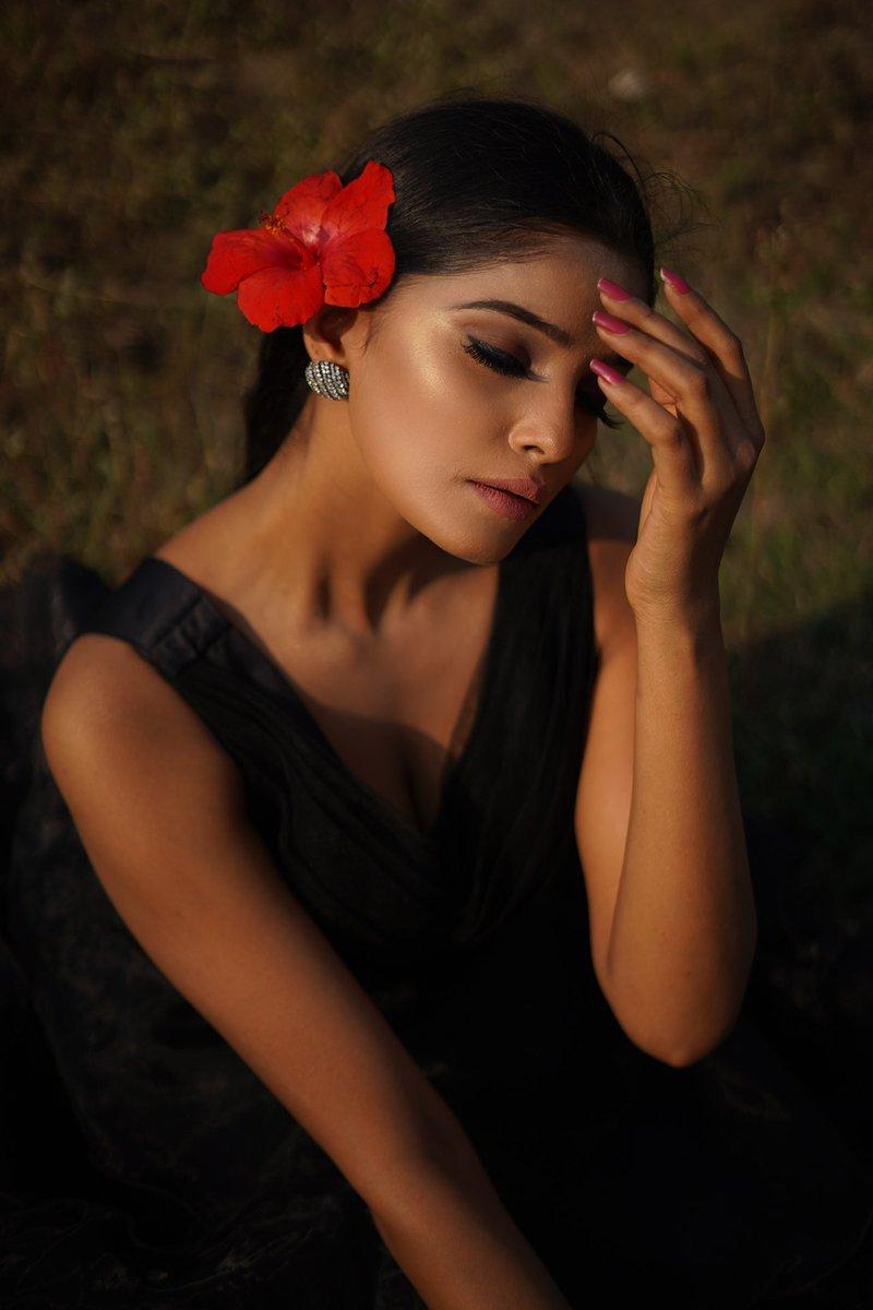 Every flower blooms in it's own time.  #beautiful #1mdilonkimallika #beauty #daystart #FlowerDonghyukDay #bloom #fashion #Angel
