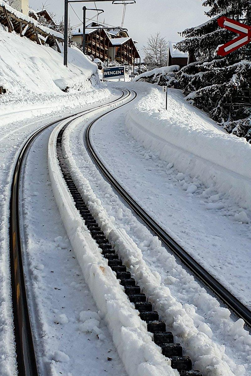 Fresh snow and a sunny Saturday in Wengen. #wengen #InLoveWithSwitzerland #Switzerland #Swiss #suisse #Schweiz