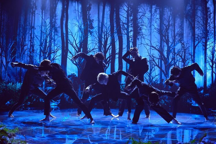 """""""A dancer dies twice — once when they stop dancing, and this first death is the more painful"""" — Martha Graham  """"If this can no longer resonate with me, If this can no longer make my heart flutter, Perhaps, this will be how I die once"""" — Black Swan  #1yearwithblackswan @BTS_twt"""