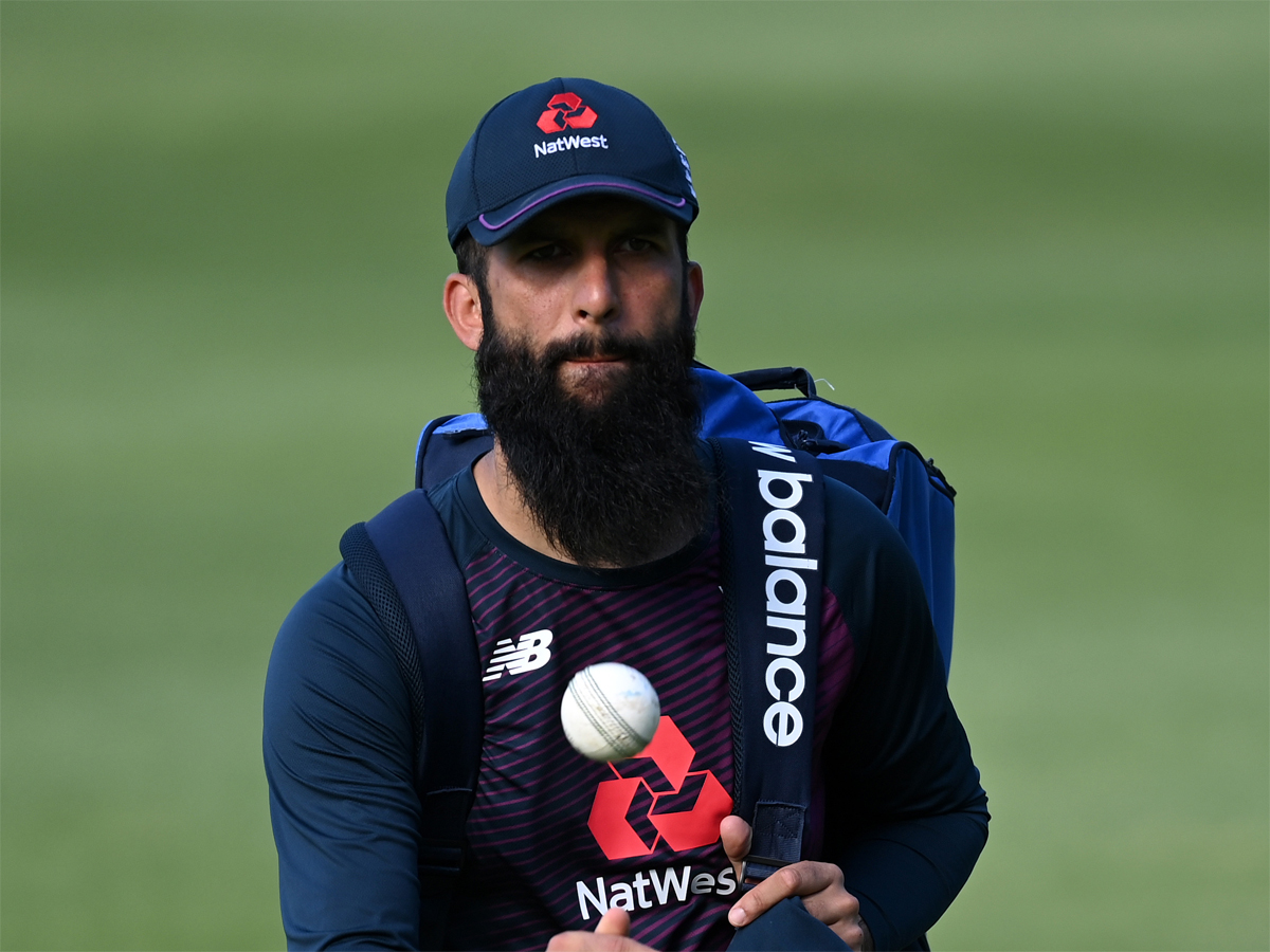 #SLvENG   Moeen Ali back in @englandcricket bubble after clearing #COVID19 test   Read: