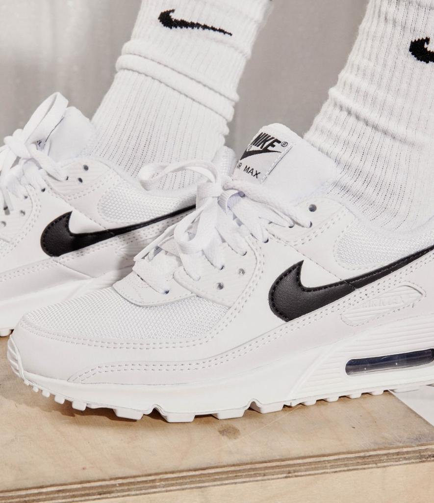 Always clean 💯 #Nike Air Max 90 available online and in-store. #DiscoverYourAir  Shop: