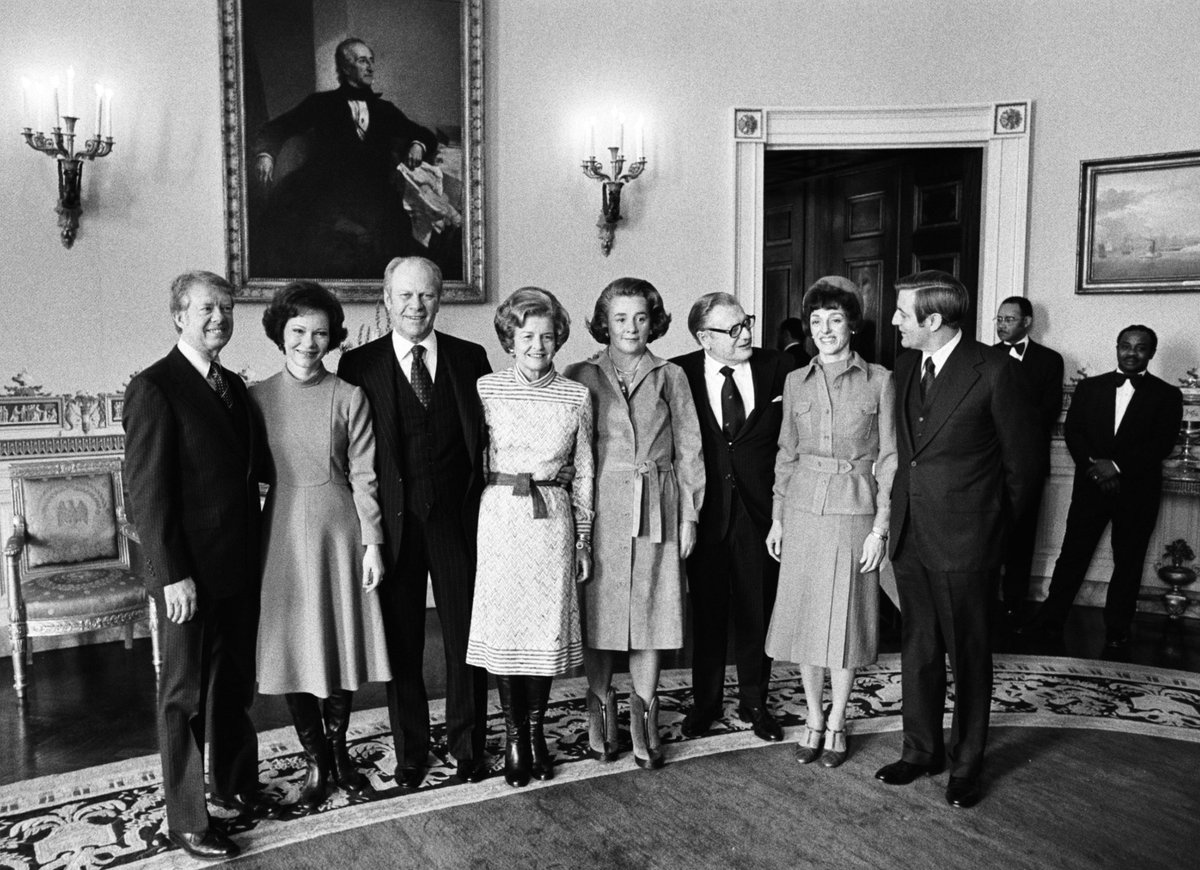 Quite the photo.  And check out Rosalynn Carter's beautiful outfit! ❤️