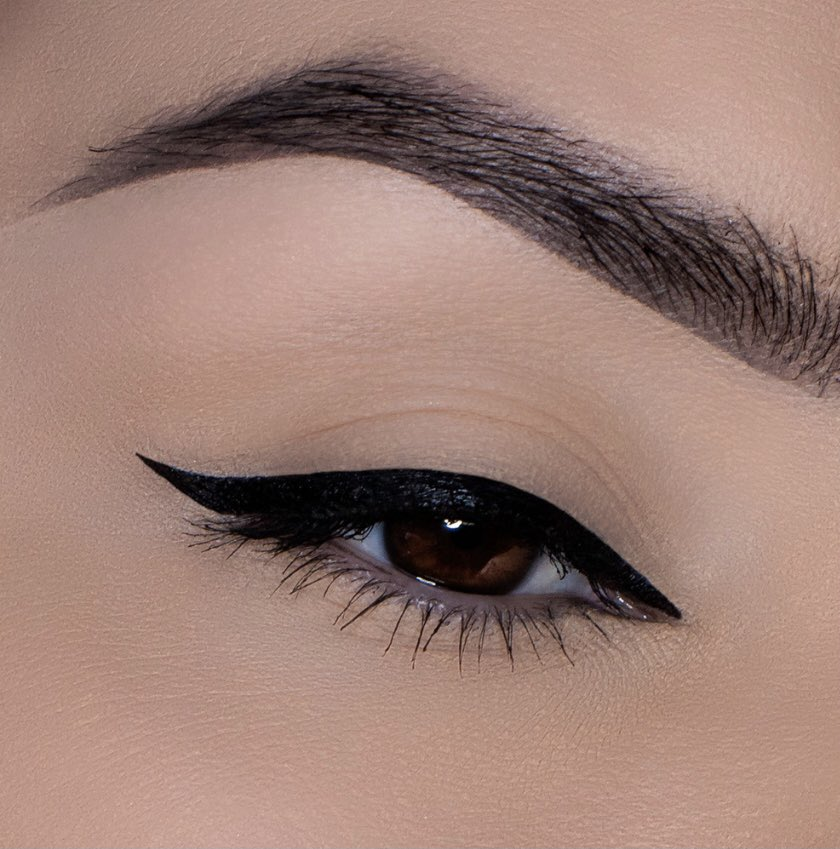 Date night tonight? Wing it!   Get some valuable tips on achieving the perfect cat winged liner or a smoked out winged liner from our Motives Beauty Advisors 🖤