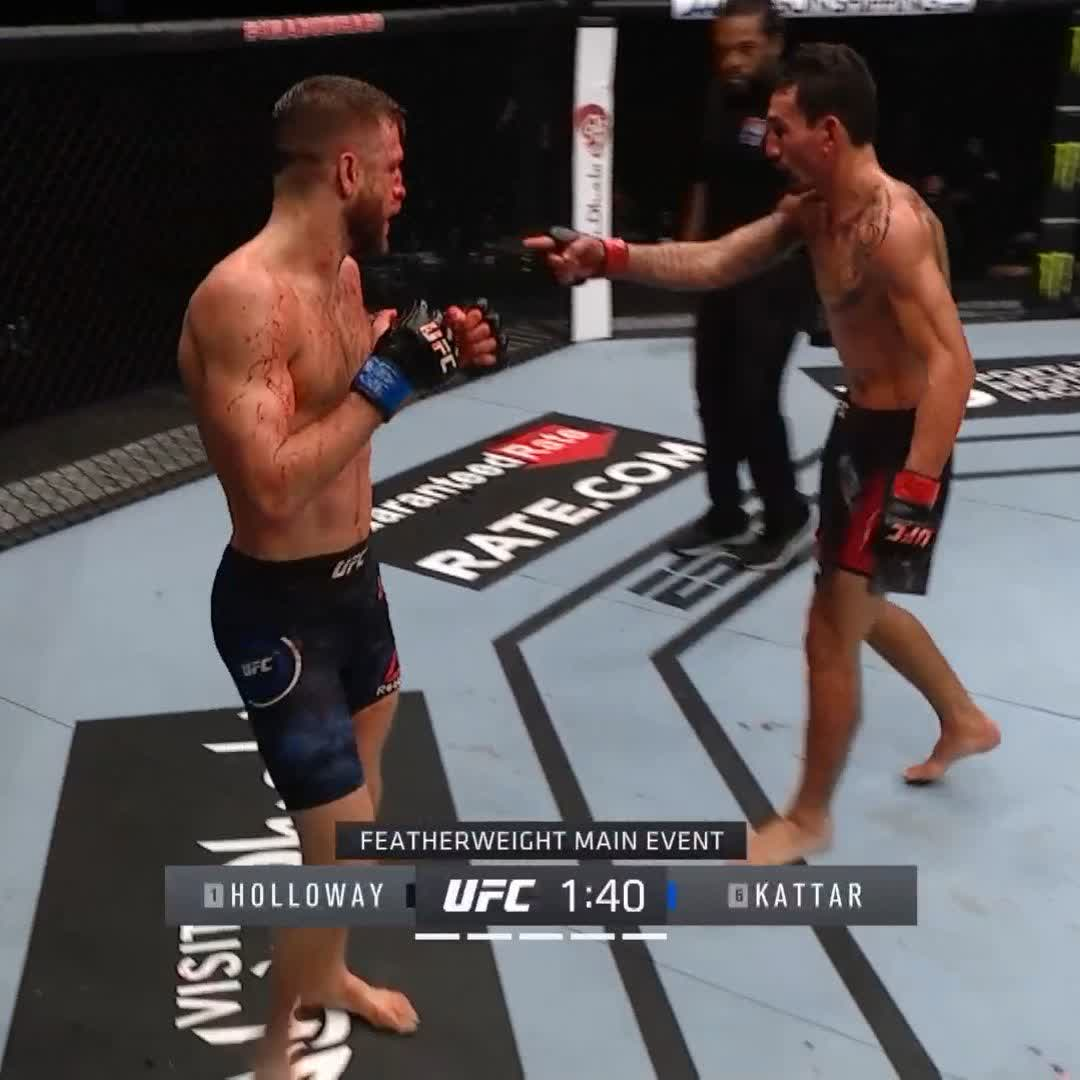 """""""I'm the best boxer in the UFC!""""  🎤 @BlessedMMA with the in-fight commentary! Have you ever?! #UFCFightIsland7 https://t.co/vLxqo97VQ1"""