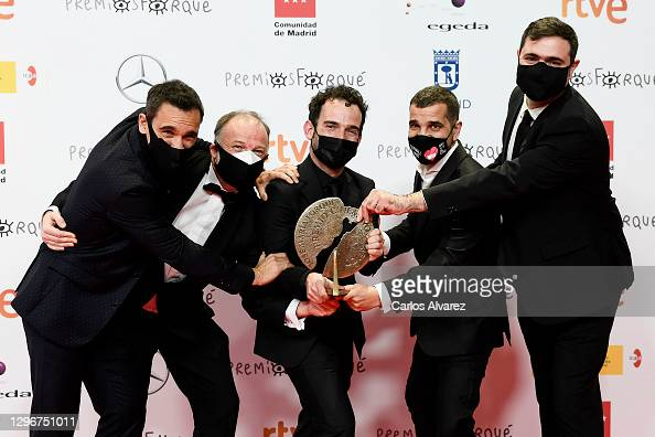 Ricard Sales, Luis Ferron, Luis Lopez Carrasco, Pedro Palacios and Sergio Jimenez poses in the Press Room after winning the Best Documentary Film during 'Jose Maria Forque Awards' 2021 at Ifema in Madrid, Spain. More 📸 #Forqué2021 https://t.co/f6DUpXdvey @murciano81 https://t.co/j65eatjo1C