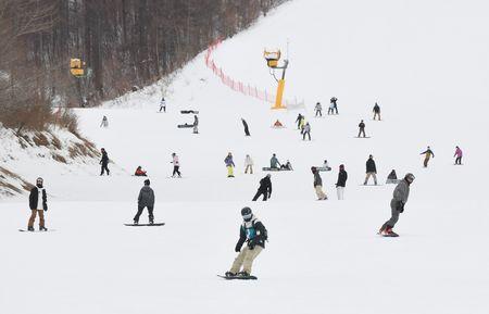 ---------- レジャー施設 客入り激減 栃木・那須塩原のスキー場 緊急事態宣言追加、初の週末(下野新聞SOON)  栃木県那須塩原市湯本塩原のスキー場「ハンターマウンテン塩原」は16日、例年の週末ピーク時の4分の1程度の人出となった。… https://t.co/MOiBEmo3Cl #地域のニュース #ローカルニュース https://t.co/ZBSrvyLdpF