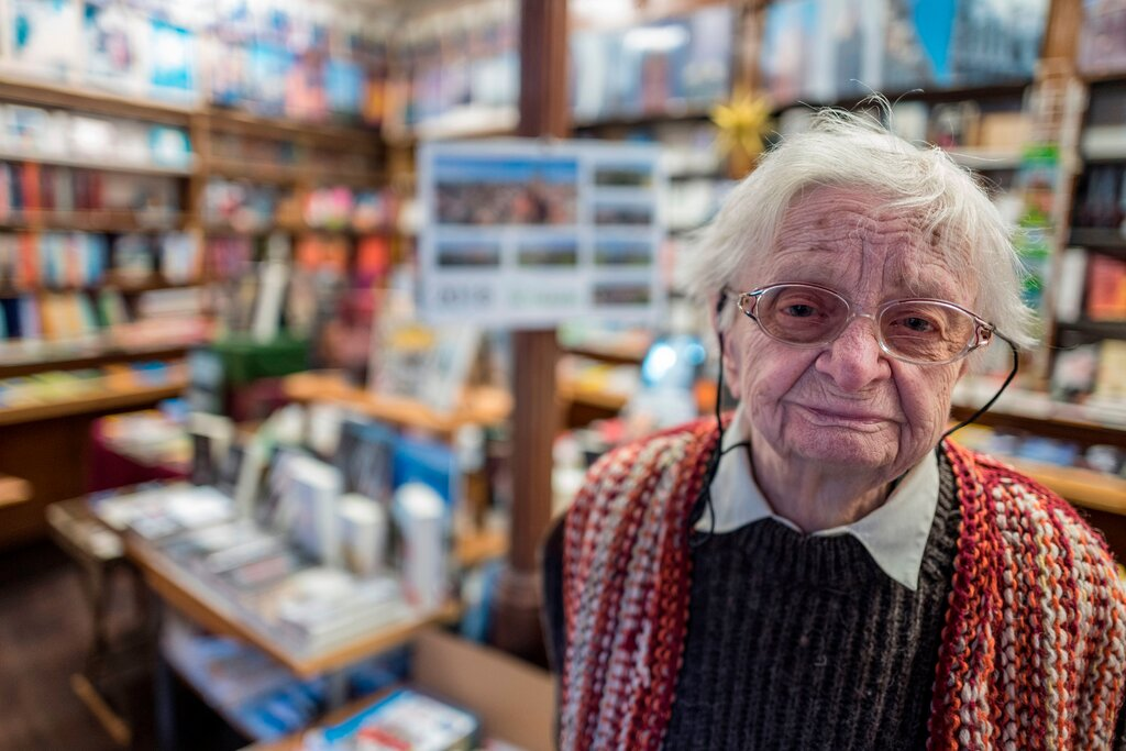 #WritingCommunity I´m  sad to hear of the passing of Germany´s oldest bookseller, Helga Weyhe. She was 98 and died above the bookstore-lived a long life! The H. Weyhe Bookstore is one of the oldest bookstores in Germany. It was founded in 1840, before Germany was a country.#RIP