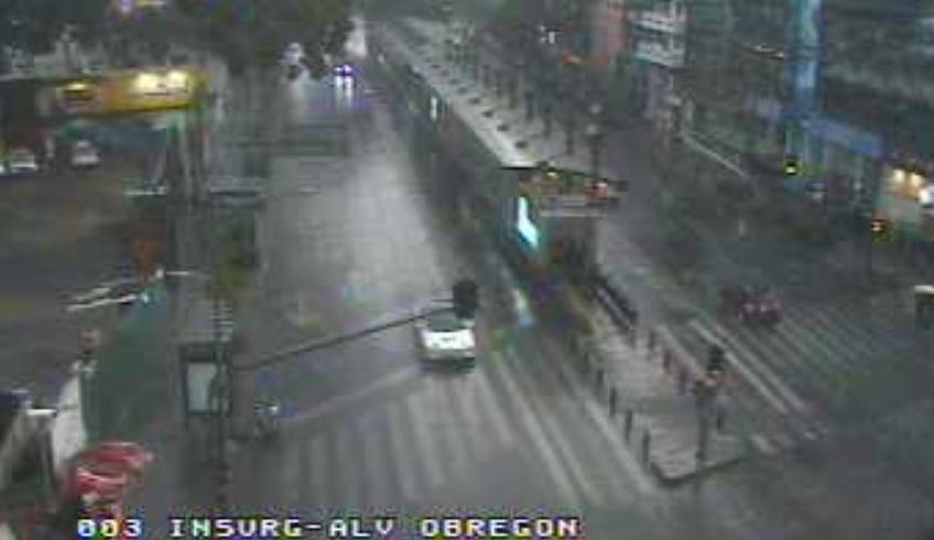 17:05 #PrecauciónVial por lluvia sobre Av. Insurgentes y Av. Álvaro Obregón, extreme precauciones al conducir. #QuédateEnCasa