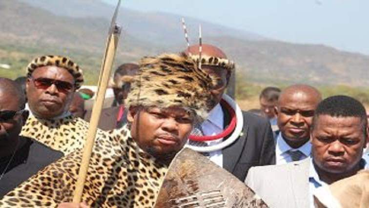 #SouthAfrica 🇿🇦  #RiP King Victor Thulare III passed away on 6 January from COVID-19 complications at the age of 40 less than a year after he ascended to the Bapedi Kingdom. The late Bapedi King, Victor Thulare III, will be buried in Limpopo on Sunday morning.
