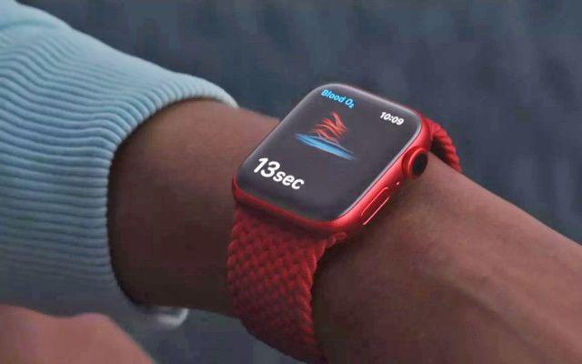 感染すると、心拍の時間当たりの変動が少なくなることが明らかに。これがAppleWatchなどウェアラブルの心拍計で検出できるという話。こういうのもどんどん研究進んでほしい。/Apple Watchが無症状のうちに新型コロナ陽性が検出できるかもしれないとの研究報告