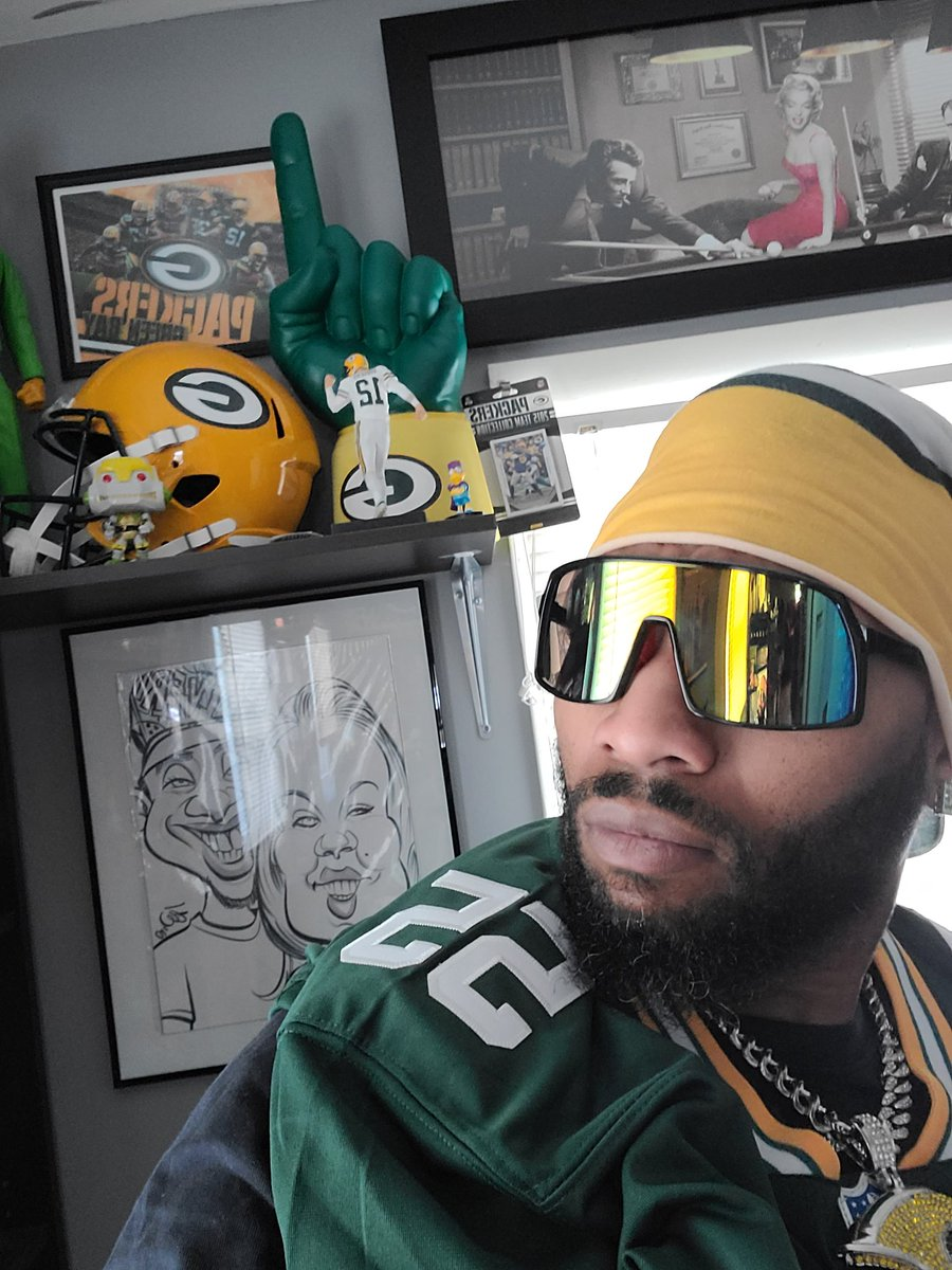 #GMAN ready ready early baby! #ONMYSIDE I TELL THEM #GOPACKGO #LAvsGB #PackersUnited  👿🔥💪🏾💚👑💛👈🏾🔥😈
