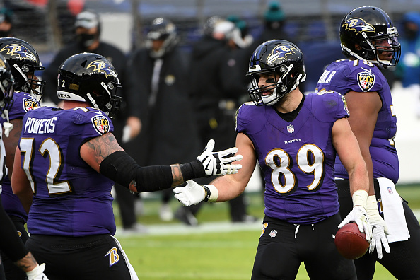 The #NFL Best Bets for today's games are now LIVE from @jimpemba777!  He offers up a couple player props this week so give it a read and make some green! #GreenisGood  Read Here: