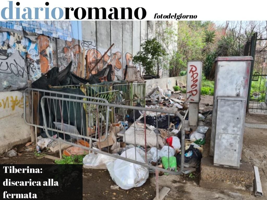 test Twitter Media - Alle spalle della fermata Atac sulla Tiberina, altezza via Flaminia, si è investiti dal tanfo provocato dai rifiuti. Non è una città normale la nostra! #Roma #fotodelgiorno https://t.co/P0QVVSMvB5