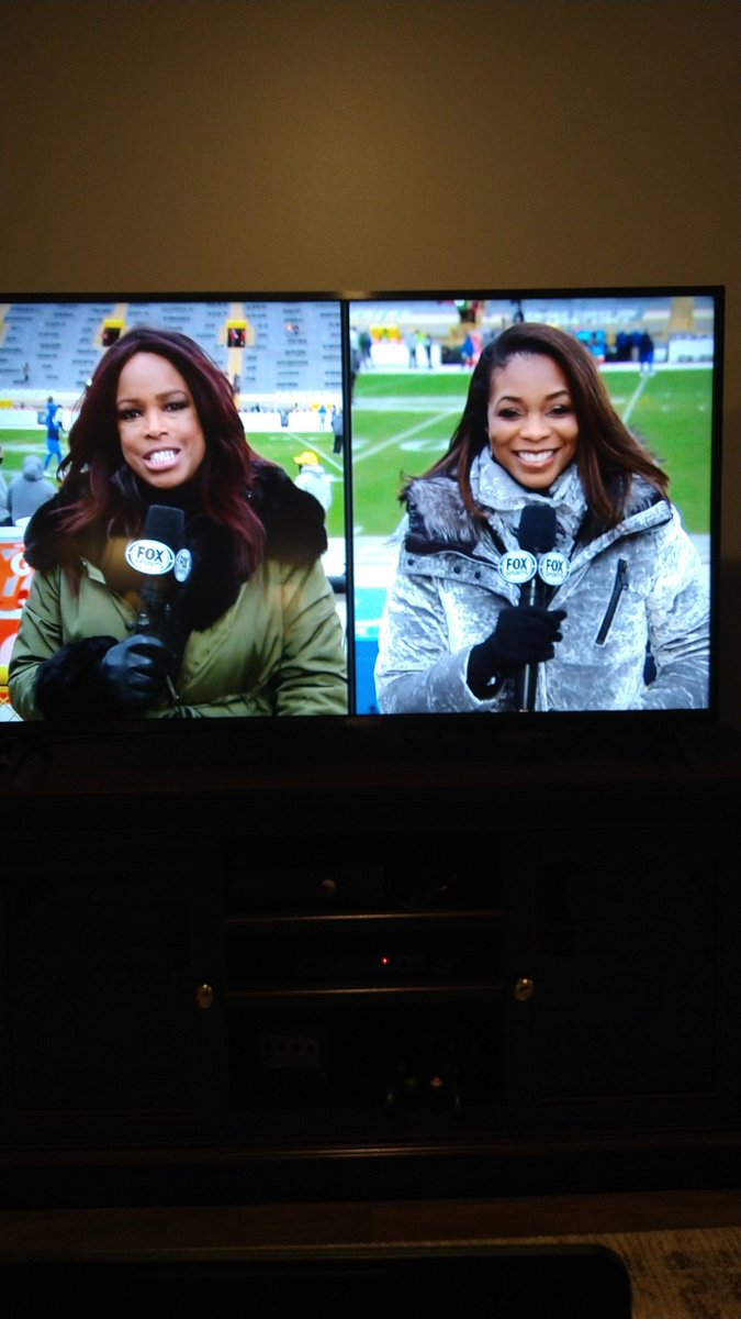 @Kristina_Pink Perhaps a passing of the torch? Awesome that u get to work with the legendary Pam Oliver on the sidelines. U both do a great job. #GoPackGo