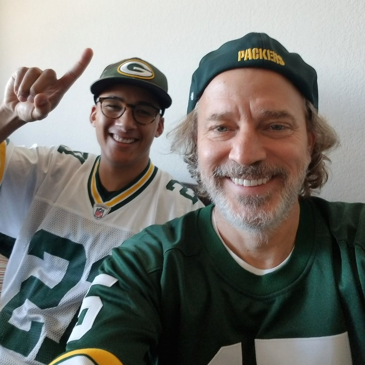 Watching w my nephew. We are ready for some football.   Go Packers!!   #nfl #nflplayoffs #gopackgo #carrytheg #cheeseheadtv #packers #greenbay