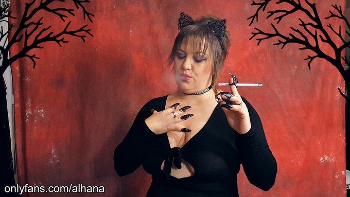 Posted a new video to my OF page. #busty #smokingmodel #dangle #cigarette #smoke #realsmokinggirl #smoking