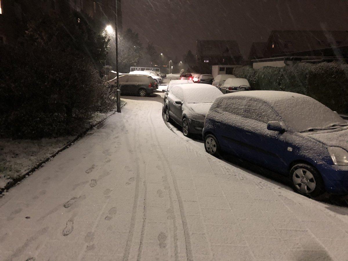 Der erste Schnee bei mir in diesem Jahr. Die Freude ist groß ❄️☃️ #schnee #winter