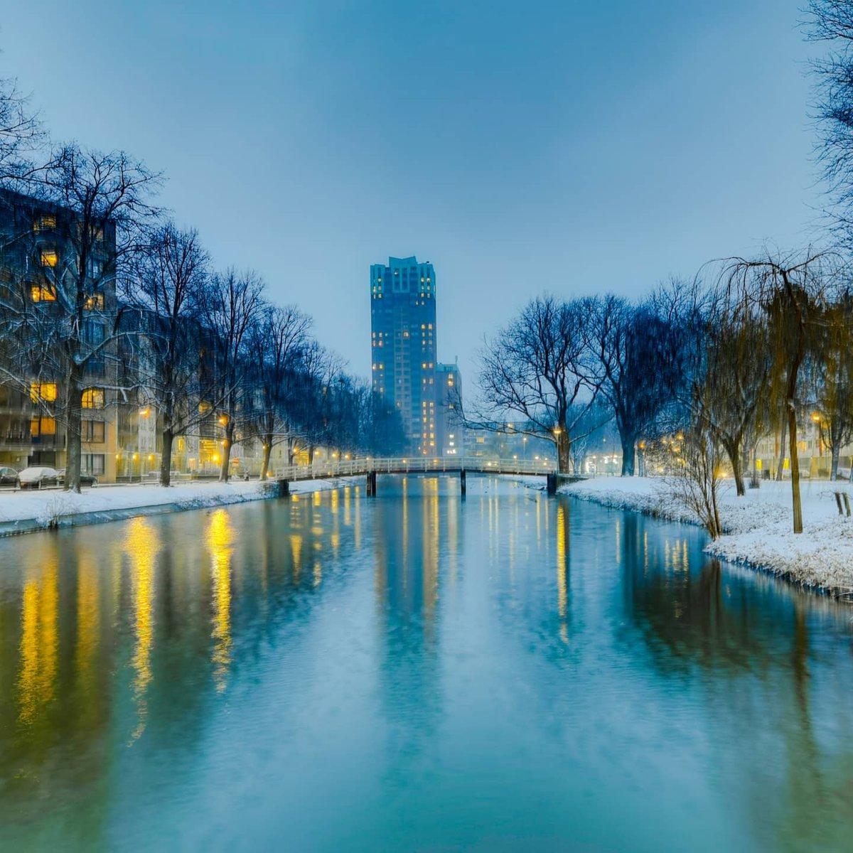 City with Winterland theme / La vie avec un thème de Winterland #winter #Rotterdam #snow #Netherlands #photography #photos #photooftheday