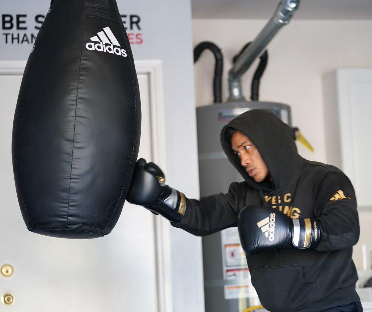 Be stronger than your excuses!  #StayingReady #ReadyForSport #AdidasBoxing #GoldenBoyBoxing   #HomeTeam #LabanParaSaBayan #Boxing #MercitoGesta   @GoldenBoyBoxing @WildCardBoxing1 @cs_adidas @adidas @mrboxingguru @chrisdessalle @DAZNBoxing @ryujin_sports   📷: @NeilMacasadia