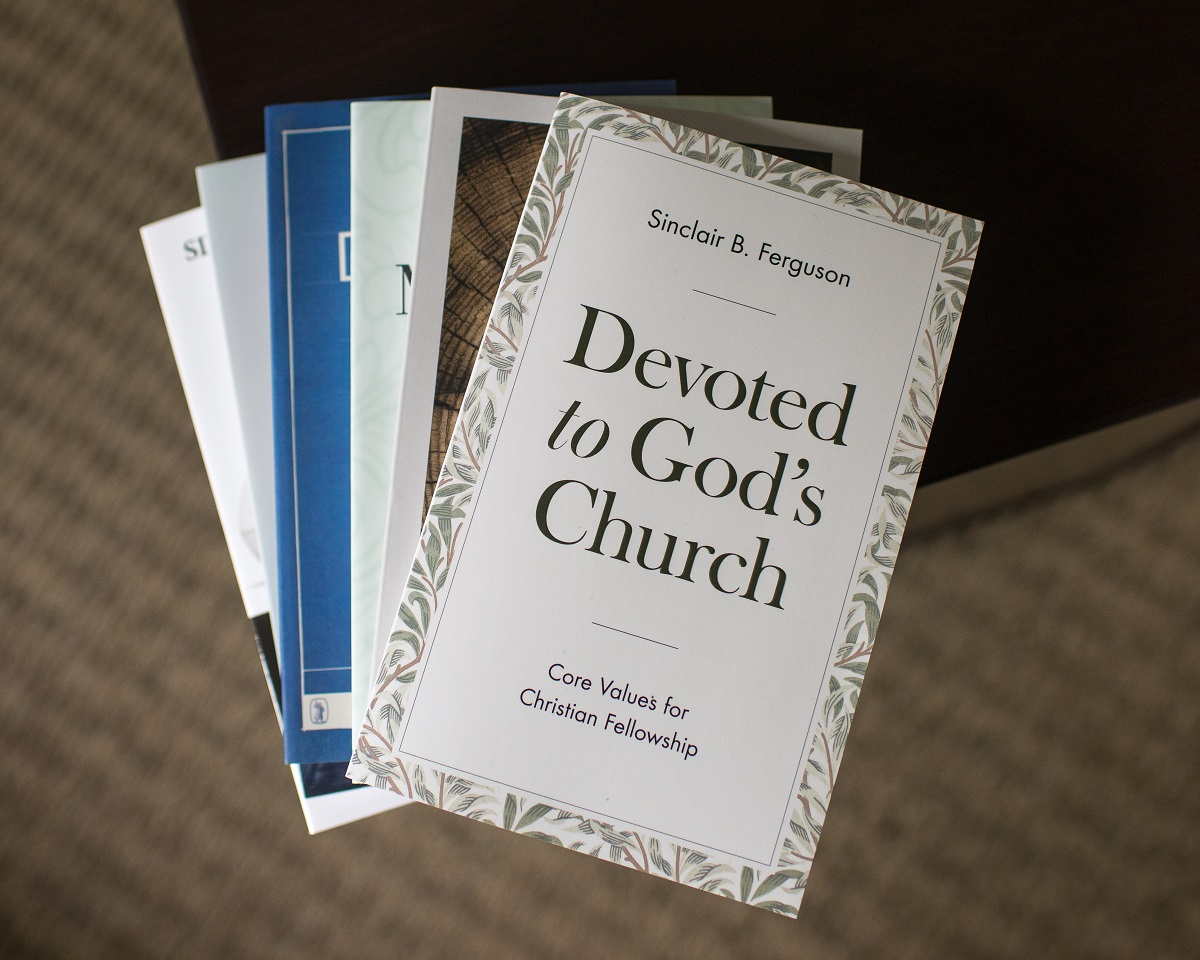 A review by @markredfern2 of Sinclair Ferguson's 'Devoted to God's Church'.  HT: @9Marks   Read here: