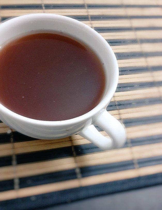 Aquí nuevamente en mi momento #doña un sábado por la tarde tomando un té de cacao que es del masjallá.  #guarapitosyté  🍫☕