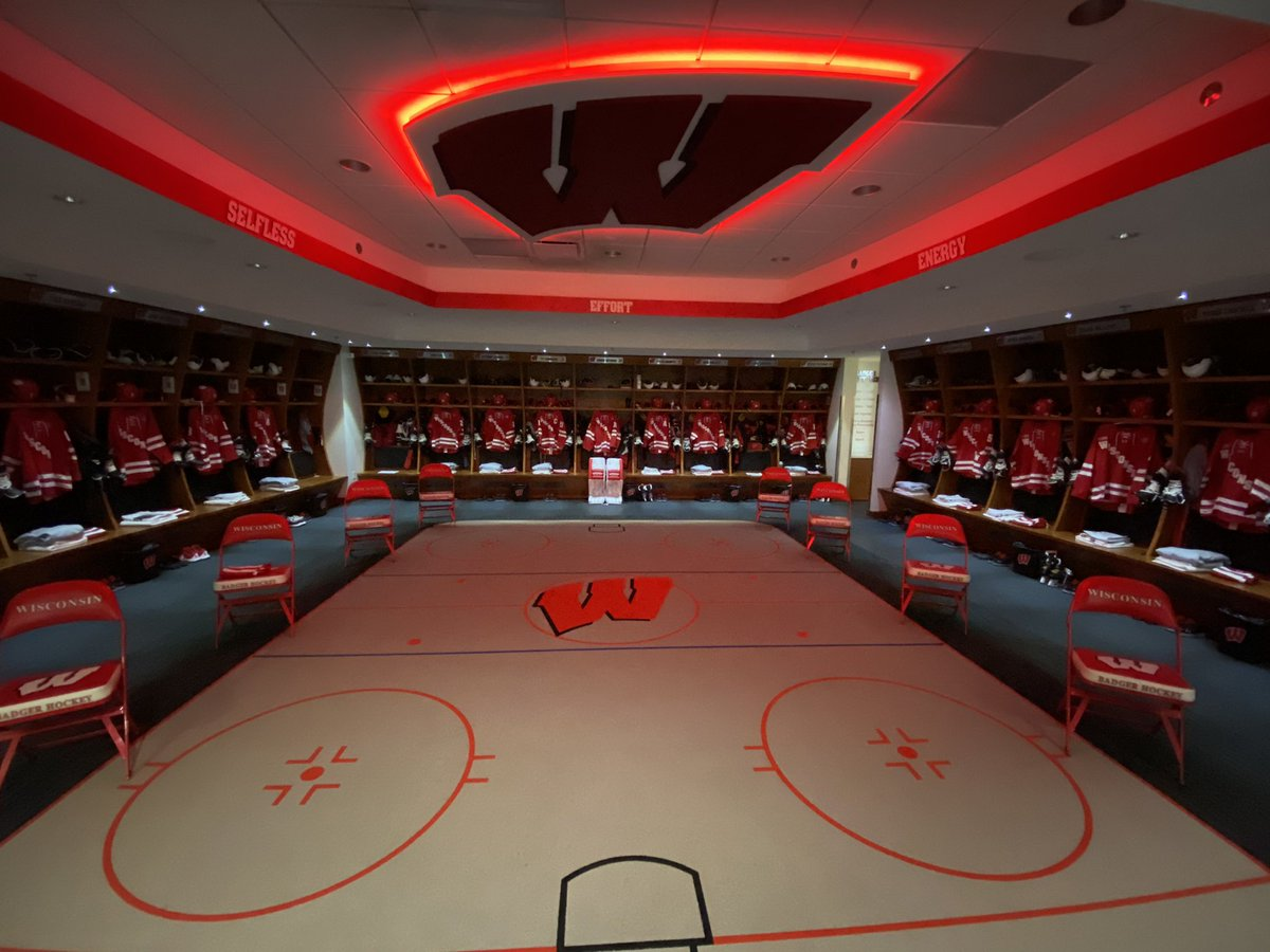 How about we change things up a bit and go with our reds at home! @BadgerMHockey #Badgers