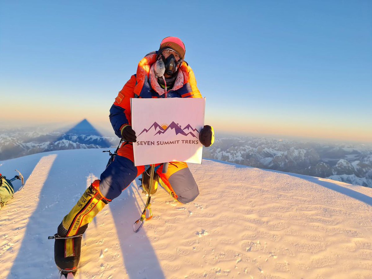 🙋 Hello all from the Summit of Mt. K2 , very first time in Winter ❄️   🦾First photo of K2 Winter ❄️ Ascent, Sona Sherpa holding the banner of Seven Summit Treks on the top of Mt. K2 on 16 Jan 2021 - 16:58 local time. #sst #sevensummittreks #k2expedition #k2winter #k2winter2021